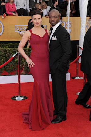 Actors Idina Menzel, left, and Taye Diggs arrive at the 19th Annual Screen Actors Guild Awards at the Shrine Auditorium in Los Angeles on Sunday, Jan. 27, 2013. (Photo by Jordan Strauss/Invision/AP)