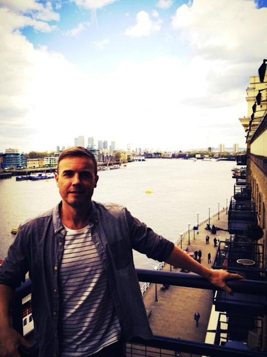 Celebrity photos: Gary Barlow has been traveling the globe ahead of the Queen's Jubilee celebrations – but he's now back in London he posed for a cute picture on the Southbank ahead of a TV appearance