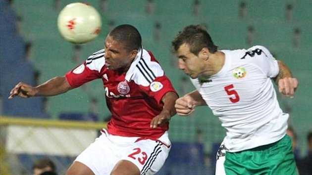 Patrick Mtiliga attacks the ball against Bulgaria (Imago)