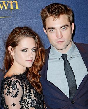 "Kristen Stewart ""Working Hard"" on Relationship With Robert Pattinson"