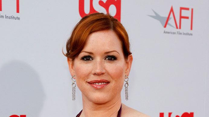 Molly Ringwald attends the 36th AFI Life Achievement Award tribute to Warren Beatty on June 12, 2008