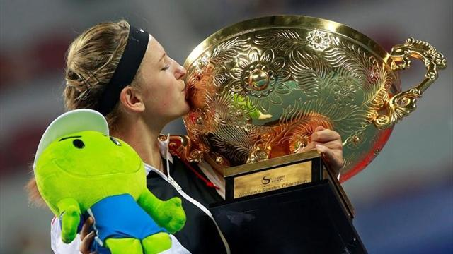 Azarenka destroys Sharapova in China final