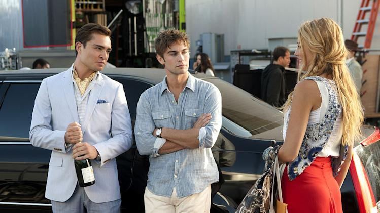"Ed Westwick as Chuck Bass, Chace Crawford as Nate Archibald, and Blake Lively as Serena van der Woodsen in the Season 5 premiere episode of ""Gossip Girl."""