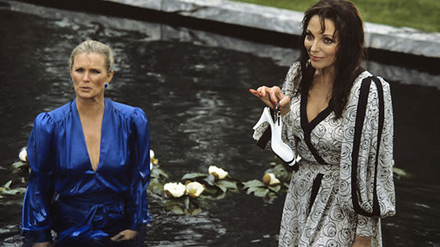 """Dynasty"" - Linda Evans and Joan Collins"