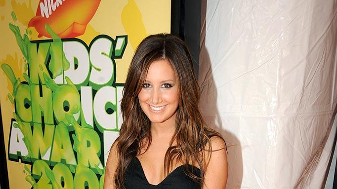 "Ashley Tisdale arrives at ""Nickelodeon's 2009 Kids' Choice Awards"" at UCLA's Pauley Pavilion on March 28, 2009 in Westwood, California."