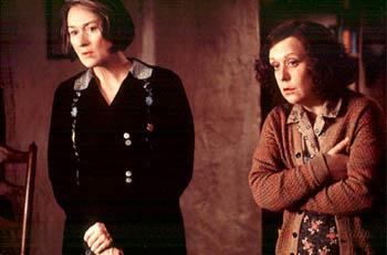 Kathy Burke and Meryl Streep in Dancing At Lughnasa