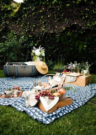 7 Ideas for Hosting a Country Picnic