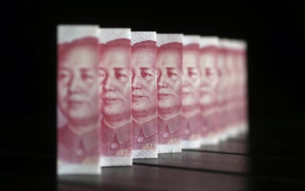 Chinese 100 yuan banknotes are seen in this file picture illustration. (Reuters)