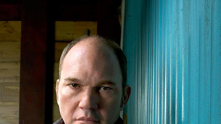 Wade Williams returns as Brad Bellick on Prison Break.