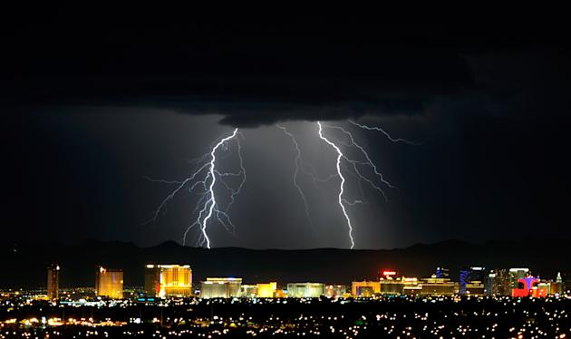 Thunderstorm Rolls Through Las Vegas