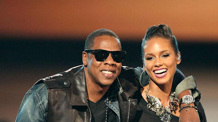 Jay-Z and Alicia Keys perform during the  2009 MTV Video Music Awards at Radio City Music Hall on September 13, 2009 in New York City.