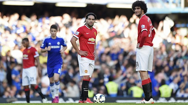 Manchester United's Radamel Falcao and Marouane Fellaini look dejected after Chelsea score (Reuters)