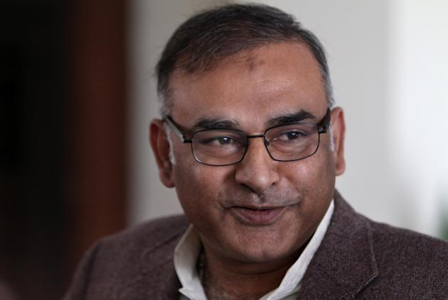Pakistan's former test cricketer Aamir Sohail speaks to media in Lahore, Pakistan, Tuesday, Feb. 4, 2014. Sohail was reappointed Pakistan's chief cricket selector for a second time on Tuesday.