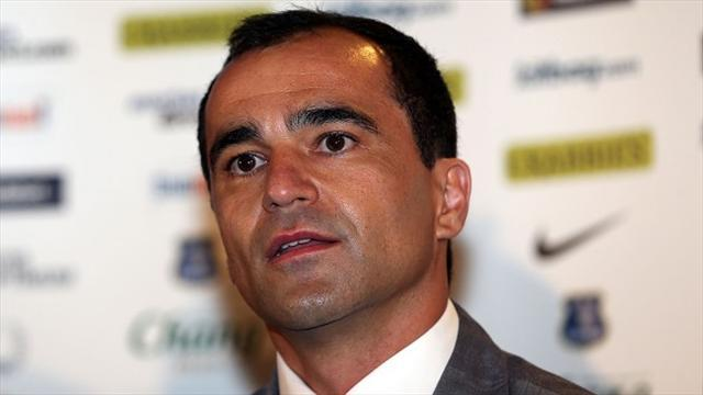 Premier League - Martinez relaxed over Barry future