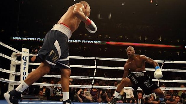 Andre Ward wobbles Chad Dawson en route to victory in Oakland (AFP)