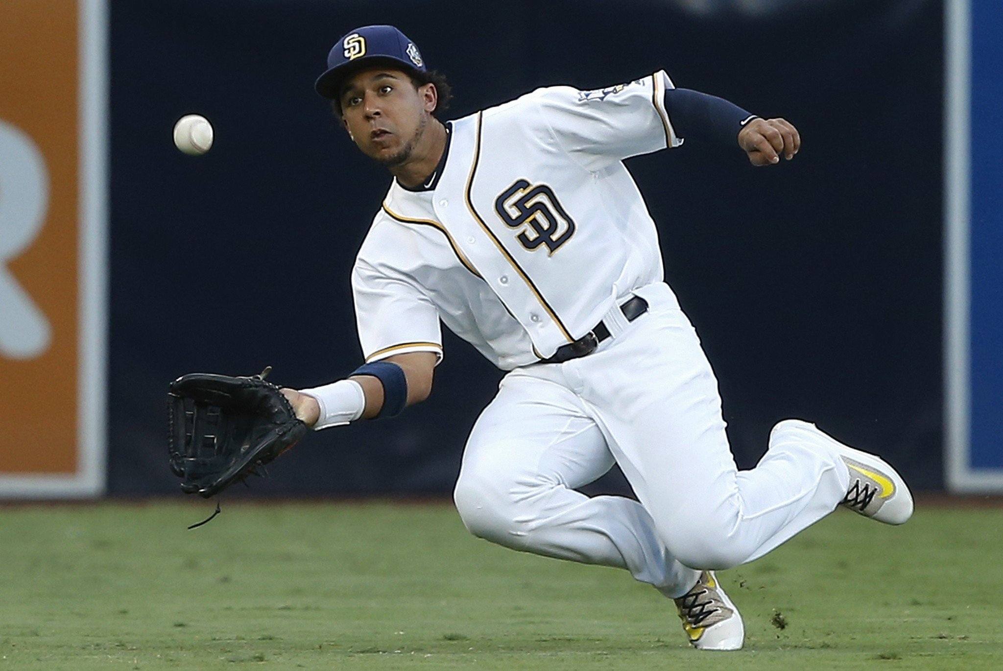 Jon Jay is the newest addition to the Cubs outfield. (AP)