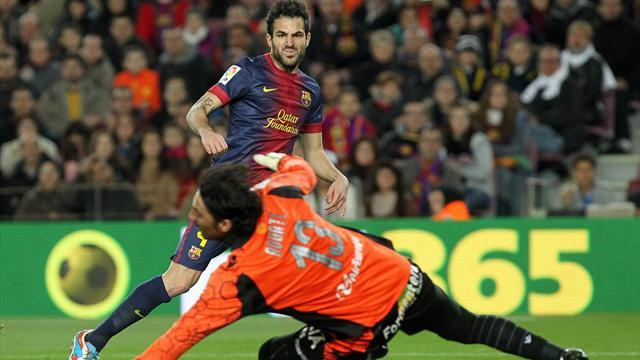 Liga - Fabregas hat-trick as Barcelona demolish Mallorca