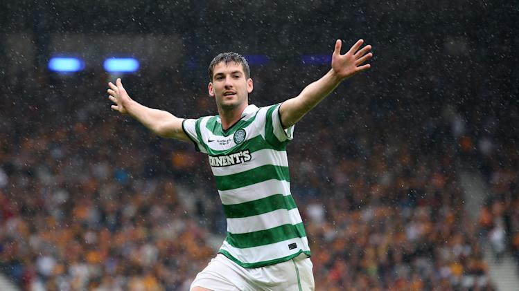 Charlie Mulgrew, pictured, insists Hoops boss Neill Lennon is 'right behind' their cause