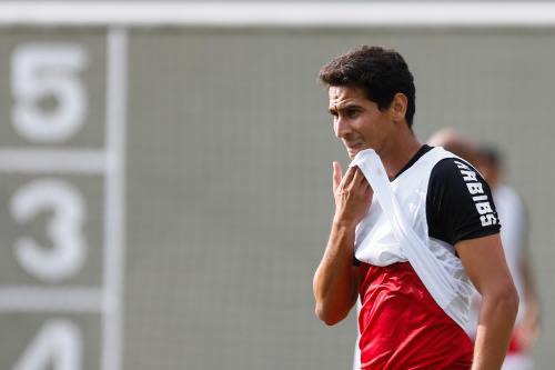 Empresário de Ganso 'cava' no Flamengo