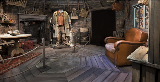 Beginning 2 June, visitors of the Artscience Museum at Marina Bay Sands (MBS) will be swept away into the famous wizard's magical world with Harry Potter. They can step into wonderfully detailed setti