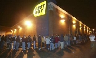 Last year the Black Friday sale line wrapped around the whole building at Best Buy. Photo via NowPublic.com