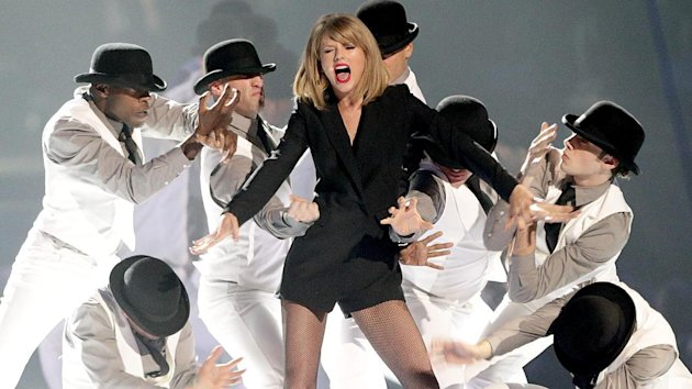Taylor Swift brings her The 1989 World Tour to the UK after her victory over technology giant Apple.