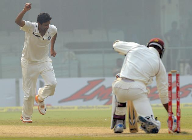 India cricketer Ravichandran Ashwin (L)