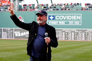 Neil Diamond Writing Song Inspired By Boston Marathon Bombing