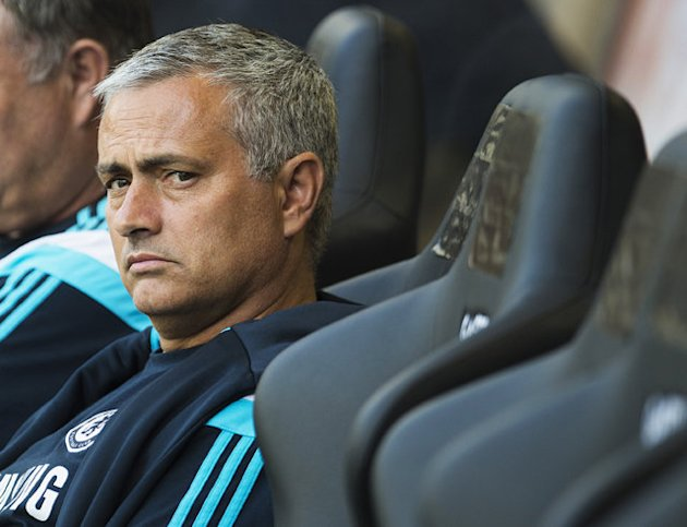 Mourinho points finger at referee – after friendly match