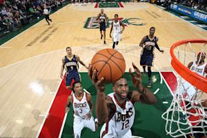 Jennings helps Bucks beat Pacers