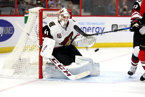 18 October 2016: Arizona Coyotes Goalie Mike Smith (41) with a glove save during a game between the Coyotes and Senators at Canadian Tire Centre in Ottawa, On. (Photo by Jay Kopinski/Icon Sportswire via Getty Images)