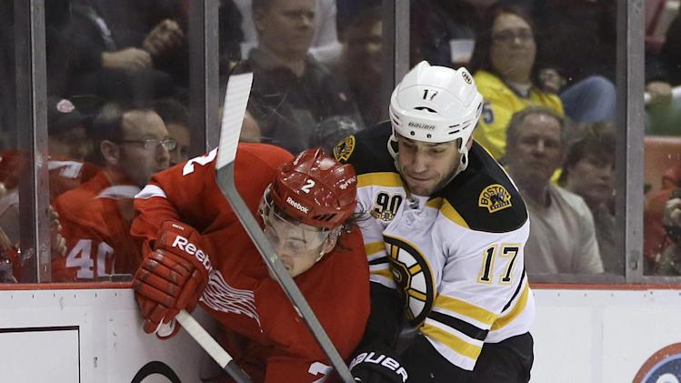 Bruins beat Red Wings 3-0 in Game 3, take 2-1 lead