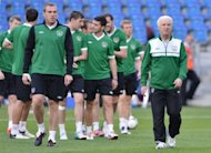 Irish coach Giovanni Trapattoni (R) during a team training session on June 17. Trapattoni's 4-4-2 system has failed horribly at the Euro 2012, where Ireland have lost their opening two games, with an aggregate score of 7-1