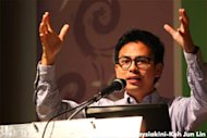 Nurul Izzah goes after Nong Chik for debate