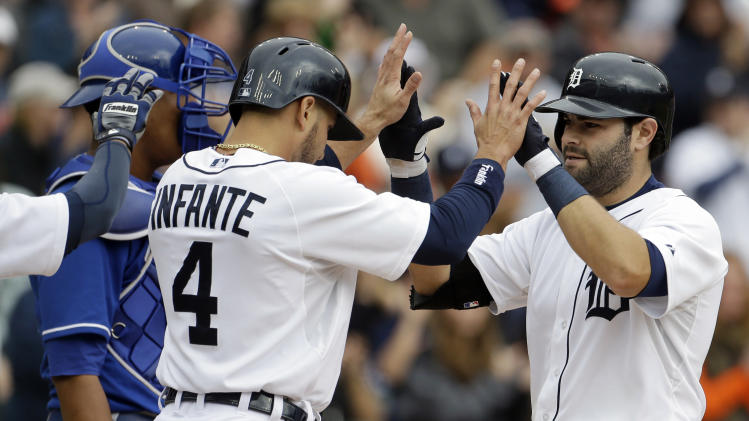 Avila's 2 HRs lead Tigers over Royals 3-2