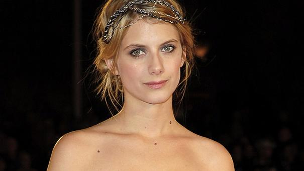 Melanie Laurent thumb