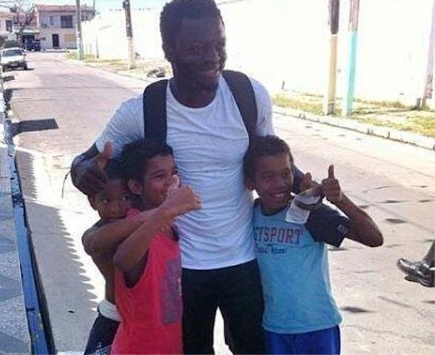 Watch incredible footage as Sulley Muntari gives money to disadvantaged Brazilians