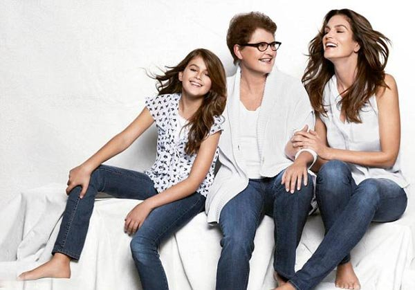 Cindy Crawford Stars In JCPenney Ad Campaign With Mom & Daughter