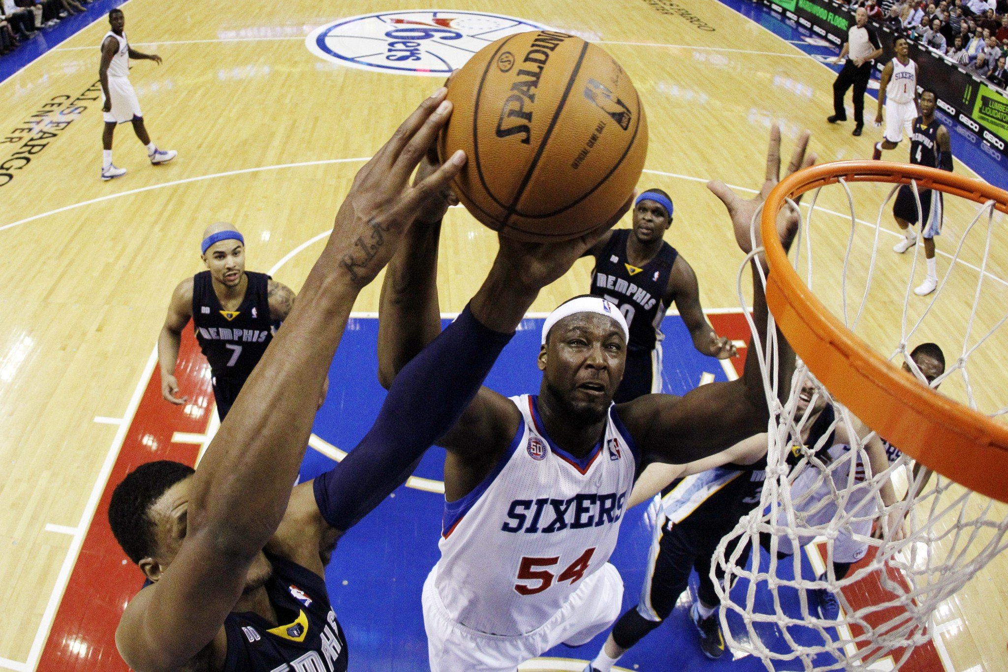 More than three years after his last NBA appearance, Kwame Brown (center) appears intent on making a comeback. (AP/Matt Slocum)