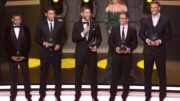 Barcelona's Brazilian defender Dani Alves, Paris Saint-Germain's Brazilian defender Thiago Silva, Real Madrid's Spanish defender Sergio Ramos, Bayern Munich's German defender Philipp Lahm and Bayern Munich's German goalkeeper Manuel Neuer pose AFP