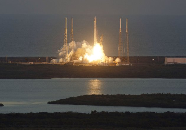 The unmanned Falcon 9 rocket lifts off from launch pad 40 at the Cape Canaveral February 11, 2015. (Reuters)