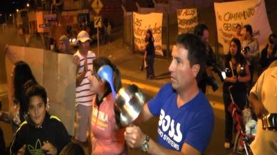 Chile: Protest at Shelters for Quake Victims