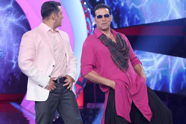 Spotted: Akshay and Salman bonding on BB