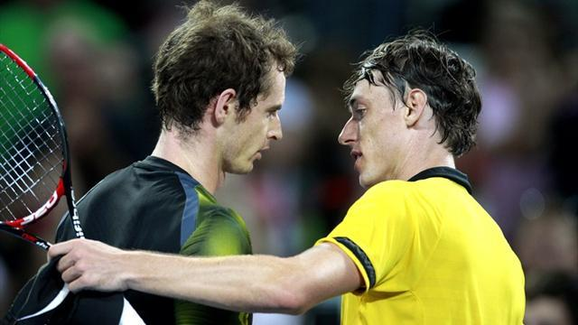 Tennis - Murray battles through against qualifier in Brisbane