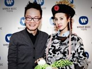 Jolin Tsai gives away one million