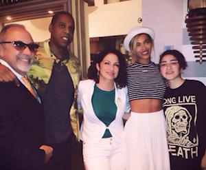 Beyonce, Jay Z Celebrate End of Vegan Challenge With Seafood, Pose With Gloria Estefan