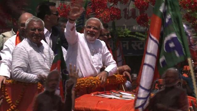 Rapturous welcome for Modi in Varanasi battleground