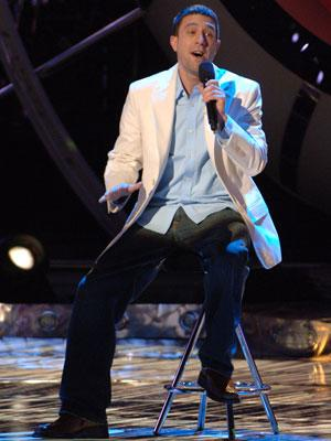 Elliott Yamin performs on March 14 FOX's American Idol