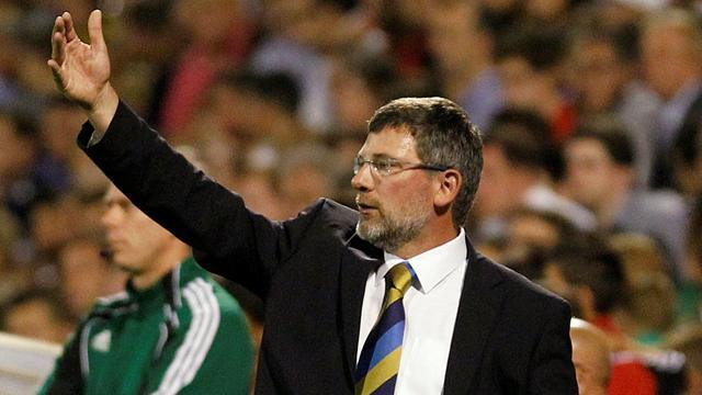 Lennon backs under-fire Scotland boss Levein