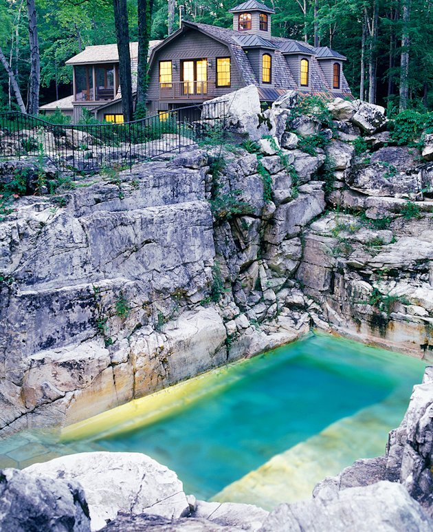 Is this quarry the most beautiful backyard pool in america for Piscine orsole